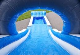Multiplay Superhaai glijbaan en zwembad